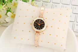 $enCountryForm.capitalKeyWord Canada - Wholesale Stylish Women Watch Bracelet Quartz Lady Dress Watch Rose Gold Alloy Luxury Watch For Women
