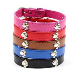 China PU Leather Personalized Plain Skin Pet Collar For Dog or Cats Pet Supply Leash Rope Chain With Paw Charm Ornament 3 Sizes suppliers