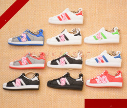 $enCountryForm.capitalKeyWord Canada - Superstar Soft Rubber Overshoes Mould Key Buckles Silicone Sneaker Shoes Keychain PVC Shoes Keyrings Fashion Sports Accessories