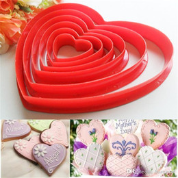 Heart Shaped Cutters NZ - 6pcs set Heart Shaped plastic Cake mold cookie cutter biscuit stamp Sugar Craft cake decorations