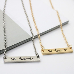 Wholesale Ingenious Lovers Necklace Love Letters Pendants Necklace Alloy Arrow Through Heart Short Chain Necklace Jewelry Gift