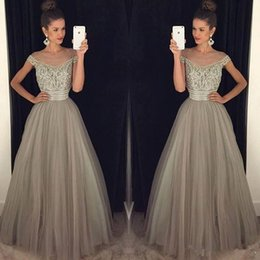 Jupe Sexy En Gris Pas Cher-Light Grey Robes de bal 2017 V Neck Cap Sleeves Beading Crystal Tulle Jupe Sweet 16 Robe Quinceanera Homecoming Party Gown vestido de fest