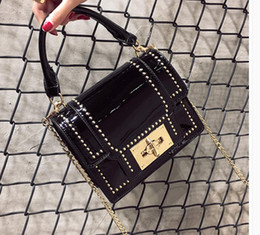 lades hand bags 2019 - The new 2017 European and American fashion rivet small square bag chain bag hand the bill of lading shoulder bag cheap l