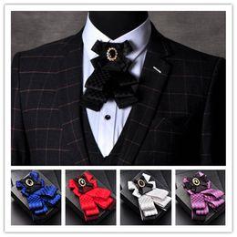 Vente en gros Gentleman Noeud Papillon Papillon Hommes Formelle Commerciale Cravat Noeud Papillon Mâle Solide Couleur Mariage Noeud Papillon 5 couleurs 2017 Date