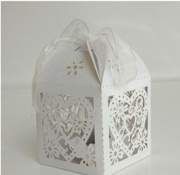 $enCountryForm.capitalKeyWord Australia - Wood Pulp DIY Wedding gift box Heart Laser Cut Candy Favor Boxes With Ribbon for Wedding Party Table Decoration Laser Printing