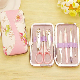 Barato Pedicure Set Favors-7 em 1 Rattan Flower Printing Nail Clipper Scissor Kit Mulher Pedicure Manicure Set Wedding Favors Gifts ZA4444