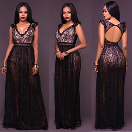 Barato V Noite De Desgaste-2017 Black Sexy Lace Hollow Out mangas V-Neck Fashion Backless Vestido De Festa Mulheres Vestido Vestido Sexy Slim Night Club maxi Dress