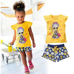 Girls Ruffle Pant Suits Canada - Summer Girls Baby Clothing Set T-shirts Shorts Outfits Children Kids Cotton Ruffles Shirts Tops Tees Floral Short Trousers Pants Suits Sets