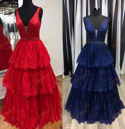 Barato Azul Ballgown Vestidos De Baile-Famosa Designer Prom Dresses 2017 Styles com Deep V Neck e Skirt Skirt Real Pictures Lace Little Ballgown Quinceanera Dress Custom Made