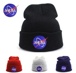 Chinese  Fashion Knitted embroidery Hats Beanie Men Girls winter Letter embroidery Cap Women's Warm Winter Hats Unisex Men Casual Hat Skull Caps manufacturers