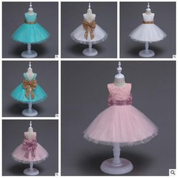 Barato O Concurso Mostra O Bebê-Varejo Girls Pageant Vestidos Lace Grandes tamanho Sequins Bow Flower Girls Dress V Voltar Princess Wedding Party Vestuário para bebês Baby Girls