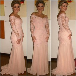 Gracieux Sexy Pas Cher-Graceful Mermaid Pink Robes de soirée Long Sleeve V-Neck Off Shoulder Chiffon Applique Sweep Train Formal Prom Gowns