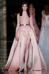 Robe Rose Zuhair Pas Cher-2017 Zuhair Murad robes de bal Long Fashion Pearl Pink Dentelle Applique Beaded Illusion manches longues Sheer Neck Haute fente Party Robes de soirée