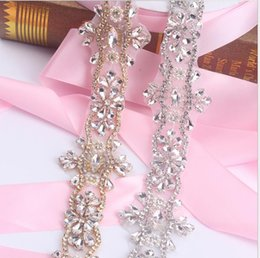 Barato Grossistas Vestidos De Noiva-Sashes Rhinestone Wedding Belt Vestido de casamento Belt Bridal Belt Glass Crystal Handmade White Beaded Princess High Qaulity Wholesale
