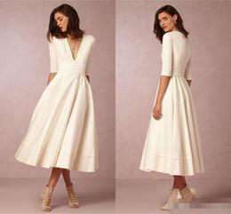 $enCountryForm.capitalKeyWord NZ - Elegant 2019 White Ivory Satin Short Bridesmaid Dresses V Neck Half Long Sleeves Plus Size Maid Of Honor Gowms For Beach Wedding