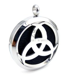$enCountryForm.capitalKeyWord Canada - With Chain as gift!! Round Silver Love Word (30mm) Stainless Steel Essential Oils Diffuser Pendant Aromatherapy Locket Necklace