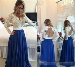 Elegantes Blusas De Manga Larga Baratas Baratos-2017 Elegante Roya Blue Prom Chiffon Evento Lleva Sexy V cuello de manga larga Top Lace Perlas Sash Illuison Volver Cheap Evening Party Gown