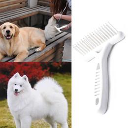 Venta al por mayor de Peine de rastrillo blanco para perros Cabello largo corto Vertimiento de piel Eliminar Cat Dog Grooming Rastrillo Cepillo Suministros para perros