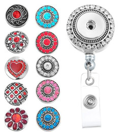 Badges Rétractables Pas Cher-8.5cmx3.3cm Reel Clip Charm ID Badge Holder DIY Round Inlaid Rhinestone Snap Button Retractable Holder Broche N168S