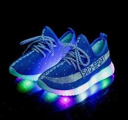 5165c0653 Barato Tamaño grande 21-35 Logotipo Deportes 350 niños LED Zapatillas de  deporte luminosas niñas Niños brillante Correr iluminar Zapatos botines  Zapatos ...