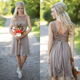 grey short chiffon bridesmaid dresses Canada - Grey Chiffon Country Bridesmaid Dresses New Lace Scoop Neck Knee Length Wedding Party Dress Cheap Beach Maid of the Honer Gowns 2019
