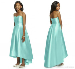 Barato Baratos Vestidos De Noiva Junior-Mint Green 2017 Junior Vestidos de dama de honra Strapless sem mangas Hi-Lo Long Satin With Belt Cheap Maid Of Honor Bridal Gowns Custom Made