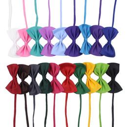19 couleurs cravate pour animaux de compagnie chien cravate collier fleur accessoires décoration fournitures couleur pure cravate bowknot IA626 en Solde