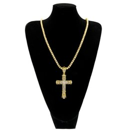 $enCountryForm.capitalKeyWord NZ - Bling Iced Out Rhinestones Vintage Cross Pendant Necklace Gold Silver Color Hip hop Fashion Jewelry Men Women