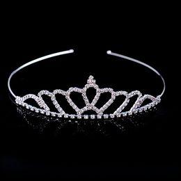 Venta caliente hermoso cristal brillante nupcial Tiara Party Pageant plateado corona Hairband accesorios baratos de la boda 2018 nuevo diseño