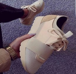 $enCountryForm.capitalKeyWord Canada - Newest Designed Women Casual Outdoor Flats Shoes Lace Up Mesh Low Top Trainers Shoes Leisure Street Style Lovers Shoes