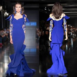 Barato Saia De Chiffon Em Camadas-Saiid Kobeisy Royal Blue manga comprida Ruffles Prom Dresses 2017 Dubai Árabe Tiered saia Lace Beaded Mermaid Plus Size Evening Wear Vestidos