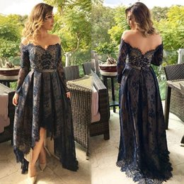 Robes Noires Pas Cher-Vintage Lace Dark Navy Robes de soirée High Low Sweetheart Neckline Party Cocktails Robes Off-Shoulder Long Prom Dress Custom Made