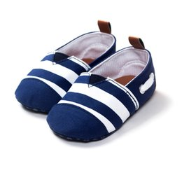 Barato Sapatos Prewalker Grossista-Wholesale- Newborn Infant Baby Shoes Algodão Striped Kids Toddler Berço Shoes Soft Soled Prewalker First Walkers