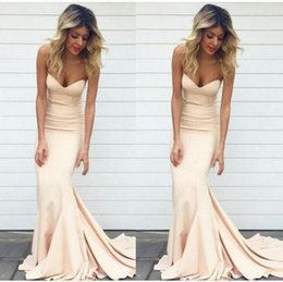Wholesale 2017 Simple Mermaid Robes de bal Nude Color Sweetheart Neck Sweep Train Robes de soiree formelle Longs femmes Celebrity Party Gowns