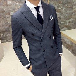 Al por mayor-Blazers de los hombres capa 2016 otoño nuevo estilo británico de doble botonadura delgada delgada negro casual masculino traje de doble botonadura gris en venta