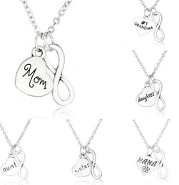 dad daughter jewelry 2018 - 20PCS Vintage Silver Infinity Heart SON brother daughter uncle dad mom aunt grandpa sister Necklaces Pendants Charm Chok