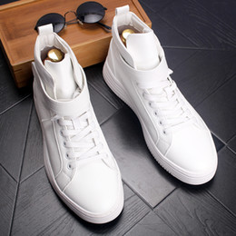 white ankle boots men NZ - Fashion Men's Genuine Leather Skate Shoes Mens Brand Casual High-Top Hook & Loop Sports Flats Man Outdoor Party Driving Ankle Boots White