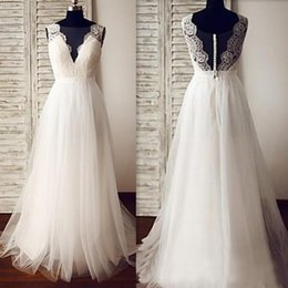Illusion V Neck Wedding Dress Canada - 2019 Casual Beach Wedding Dresses Real Sample V Neck Illusion Back A Line Sweep Train Ivory Lace and Tulle Elegant Bridal Gowns