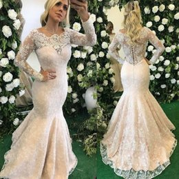 Barato Belos Vestidos De Manga Comprida-Beautiful Lace Appliqued Mermaid Wedding Dresses 2017 de alta qualidade Beaded Sequined Long Sleeves Mermaid Bridal Gowns com botões para trás
