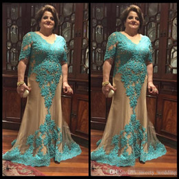 $enCountryForm.capitalKeyWord NZ - Hunter Green Lace Plus Size Mother Of Bride Dresses 2017 V Neck Half Long Sleeves Champagne Tulle Formal Prom Special Occasion Gowns Cheap