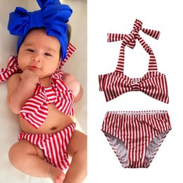 Barato Novas Meninas De Biquíni-New Summer Girls Swimsuit Short-fitting bainha elástica Stripe Swimsuit Girl Spilled Two-pieces Swimwear Off Shoulder Bikini Wholesale