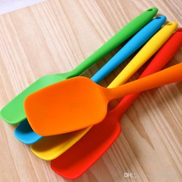 Heating knife online shopping - Silica Gel Scraper Multi Color Eco Friendly Spatula Heat Resistant Easy To Clean Food Grade Silicone Erasing Knife Baking Tools kn R