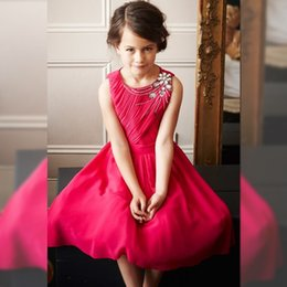 Robe De Plage Robe Longueur Genou Pas Cher-Bohemian Red Chiffon Beach Fleur Robes Girl Jewel Neck genou longueur pour les petits enfants Formal Party Wear Mariage robe de la Communion Robes