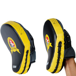 China Kickboxing Curved Hand Target Muay Thai Training MMA Boxing Hand Target Sandbag Punch Pads Hand Boxer Target Punching Training Bottom Price cheap punch pads hand suppliers
