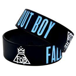 $enCountryForm.capitalKeyWord UK - Wholesale 50PCS Lot 1 Inch Wide Bangle Fall Out Boy Rock Style Band Silicone Wristband Star Bracelet