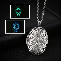 $enCountryForm.capitalKeyWord NZ - Women Silver Plated Hollow Oval Photo Picture Locket Pendant Necklace Luminous Sweater Chain For Women Party Jewelry