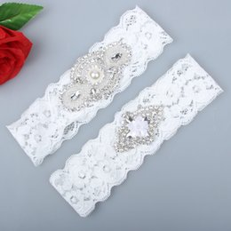 Barato Conjuntos De Meia-roupa-2 Pieces Set Lace Wedding Brick Garter Set Pérolas Handmade Flower Rhinestones Vintage Prom Gift 2017 Cheap In Stock