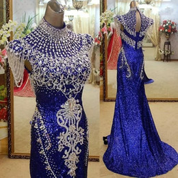 Barato Vestidos De Lantejoulas De Mulher-Royal Blue High Neck Mermaid Evening Dresses Party Elegant para mulheres Crystal Sequined Real Photos Red Carpet Celebrity Formal Gowns