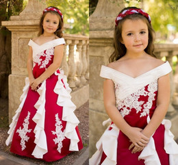 Barato Barato Branco Vermelho Pageant Vestidos-Red and White Flower Girl Dresses para casamento Vintage Off the Shoulder Applique 2015 Cheap Kids Birthday Vestidos de noiva Girls Pageant Dresses