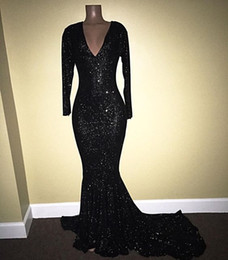 Robes De Bal À Encolure Plongeante À Bas Prix Pas Cher-2K18 Bling Black Sequins Mermaid Prom Robes 2017 Sexy Plonging Neckline Long Sleeves Evening Gowns Femmes Formal Party Robes Cheap